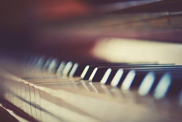 piano keys tuning